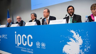 Press Conference at the Launch of the IPCC Synthesis Report (Tivoli Conference Center, Lumbye Room) (REMARKS, Q&A) (with Mrs. Ban) (Nesirky)