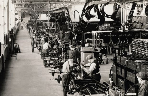 Henry Ford and the Industrial Revolution | by Andrei Tapalaga ✒️ | History  of Yesterday